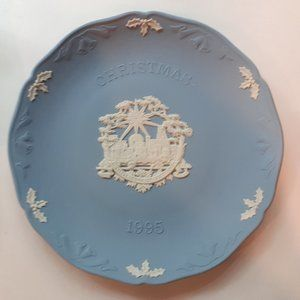 Wedgwood (Jasperware) Christmas Plate 1995